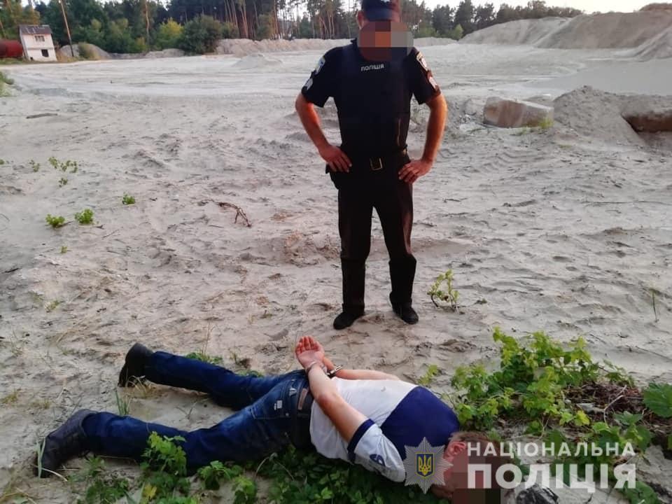 Treyder-2 Підстрелили нелегального трейдера: у Петропавлівській Борщагівці напали на торгівця акціями, який заборгував 200 тисяч доларів