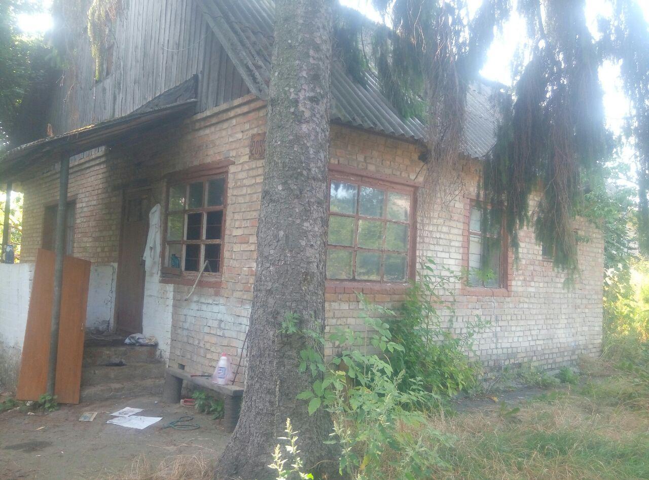У Борисполі горів покинутий будинок -  - photo 2019 08 23 11 11 17