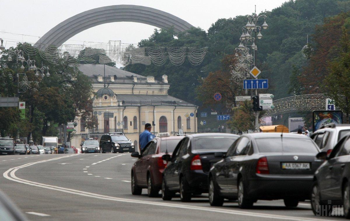 Не пройти, не проїхати: ранкові затори в Києві -  - probka