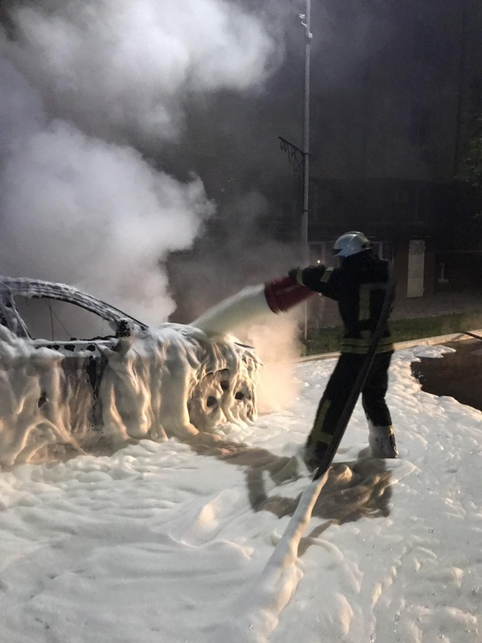 У Софіївській Борщагівці згоріло авто - 16.08.2019 -  - yzob2323razhenye viber 2019 08 16 09 32 01
