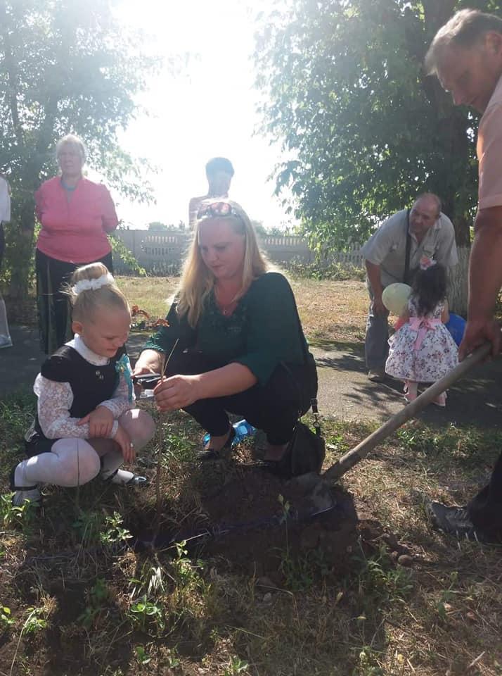 0903_ZHukynske_lisnytstvo2 На Вишгородщині першокласники у день знань садили дерева