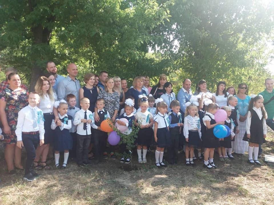 0903_ZHukynske_lisnytstvo3 На Вишгородщині першокласники у день знань садили дерева