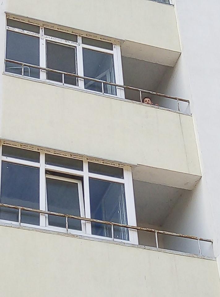 У Вишгороді дитина кидала предмети з четвертого поверху - Поліція, київщина, дитина без нагляду, Вишгород - 0911 Dytyna osn