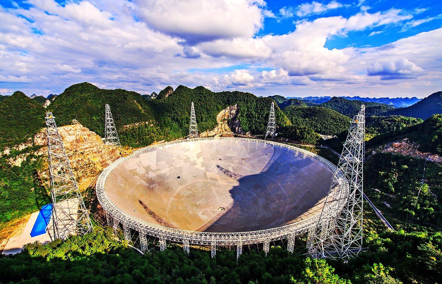 Позаземне життя існує? Китайський телескоп зафіксував космічні сигнали невідомого походження - телескоп, позаземне життя, Китай - 11 kytaj