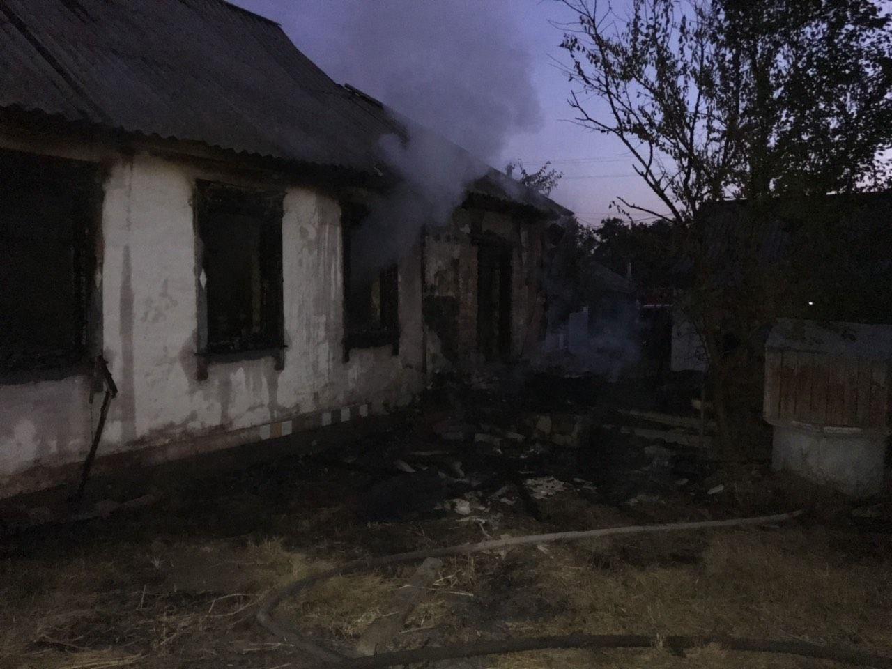 У Рокитному горів будинок, загинув 38-річний чоловік -  - 263840315 139894