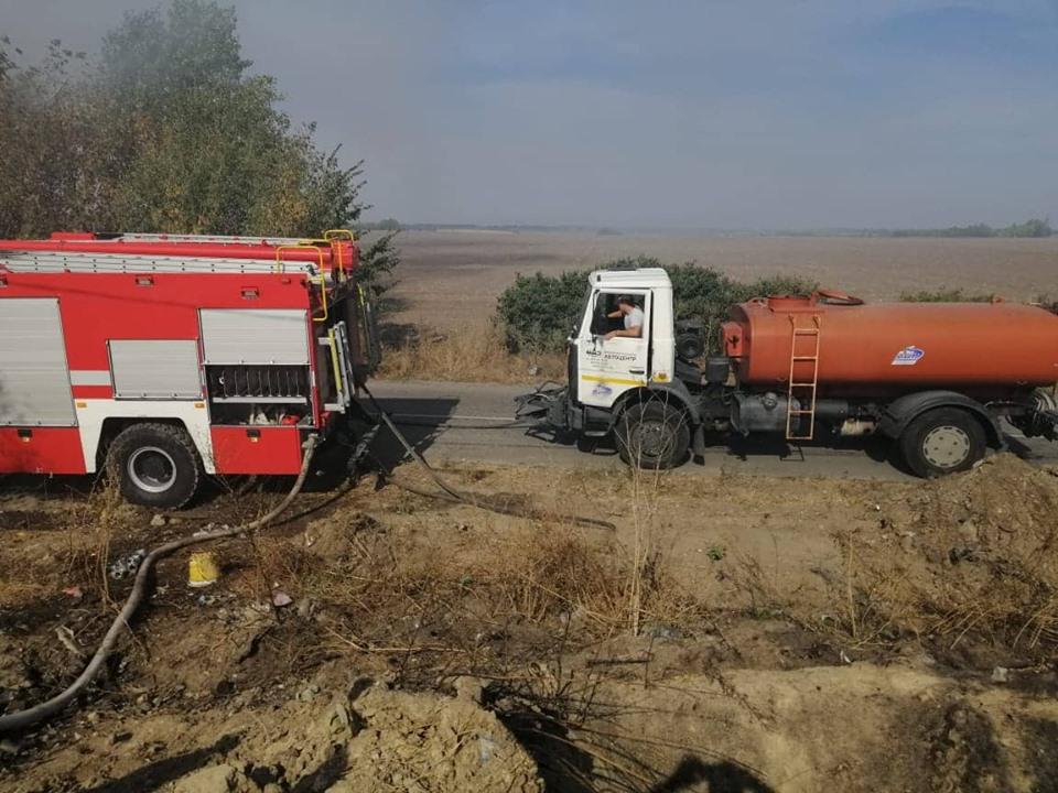 69629120_2681645005187644_1247181927786479616_n Смердючий «коктейль» у повітрі Обухівщини: рятувальники продовжують гасити пожежу на сміттєзвалищі