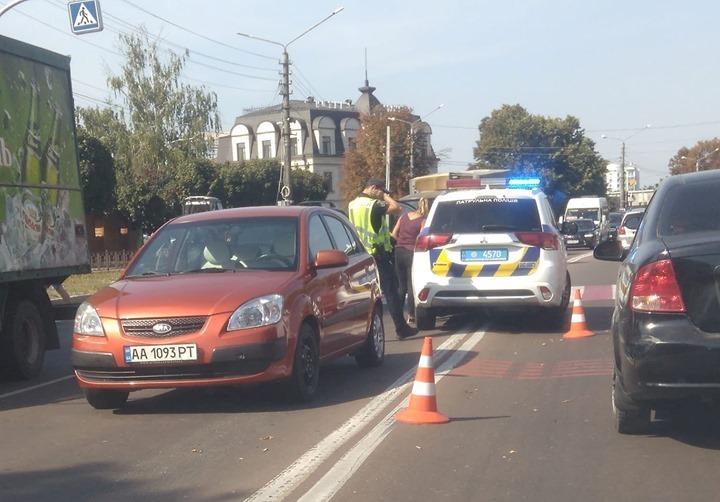 69821713_938213266544679_7082113050597130240_n Біля міськради Борисполя легковик збив пішохода