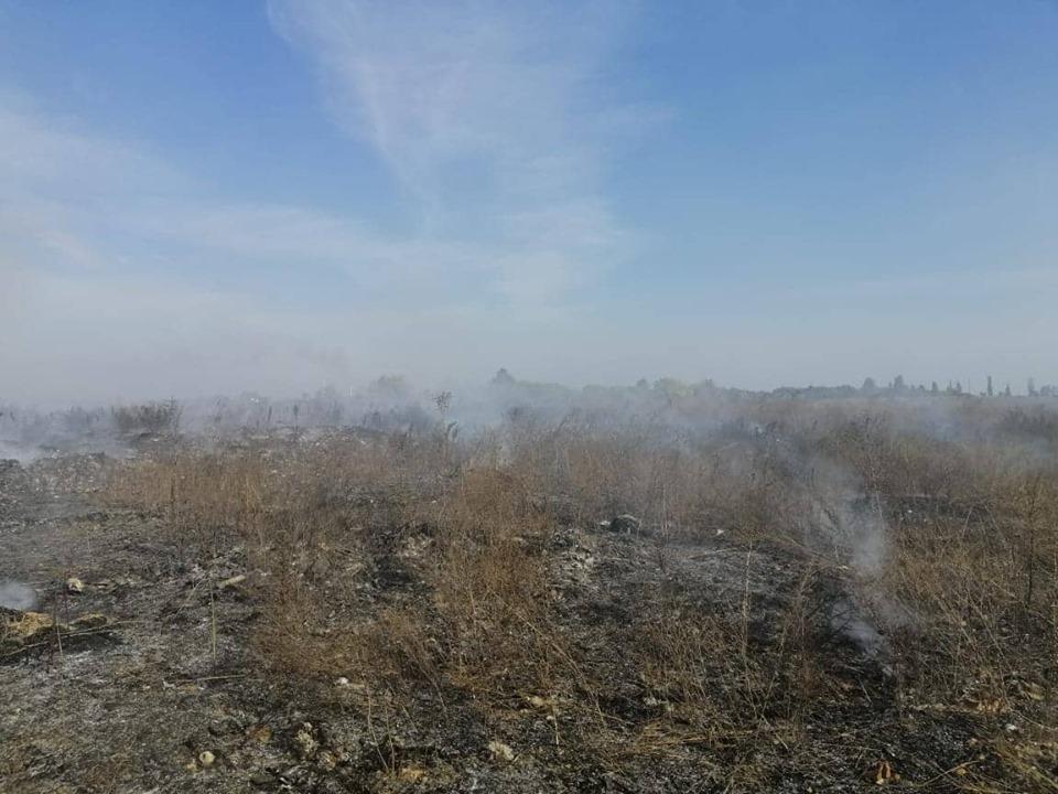 69847479_2681644991854312_321378581554921472_n Смердючий «коктейль» у повітрі Обухівщини: рятувальники продовжують гасити пожежу на сміттєзвалищі