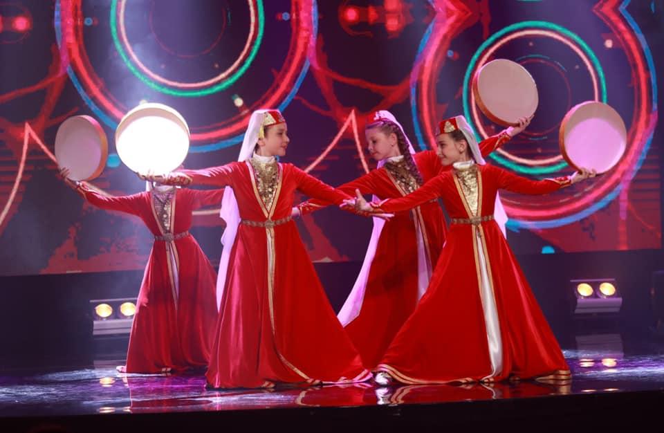 В Києві безкоштовно викладають кримськотатарські танці для дітей - танці, кримськотатарська культурна спадщина, Кримський дім, Київ, безкоштовні курси - 70505780 2776149459063842 8208315451986411520 n
