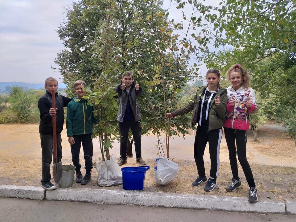 70762861_2376747675900721_431107518429659136_n Васильківські школярі приєдналися до World Cleanup Day