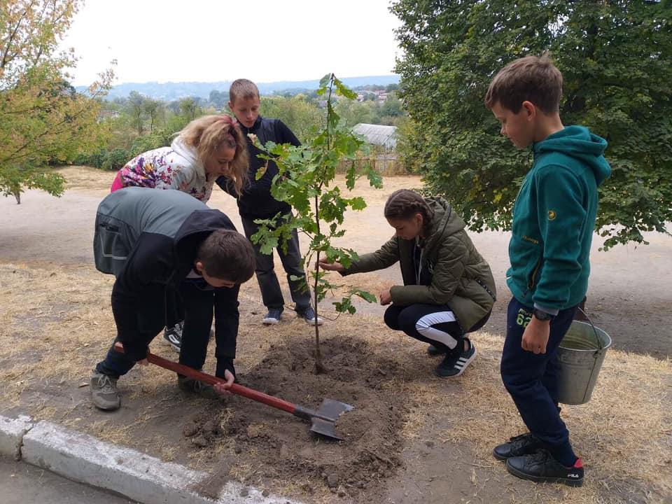 71521271_2376747789234043_322766796589367296_n Васильківські школярі приєдналися до World Cleanup Day