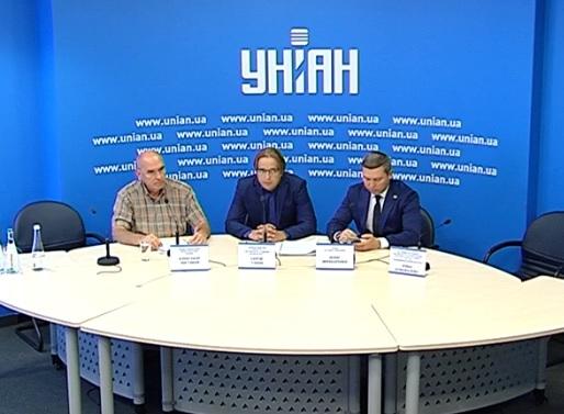 Будівельні афери Ірпеня обговорюють у столиці (ПРЯМИЙ ЕФІР) - ірпінь, документи - Bezymyannyj 1