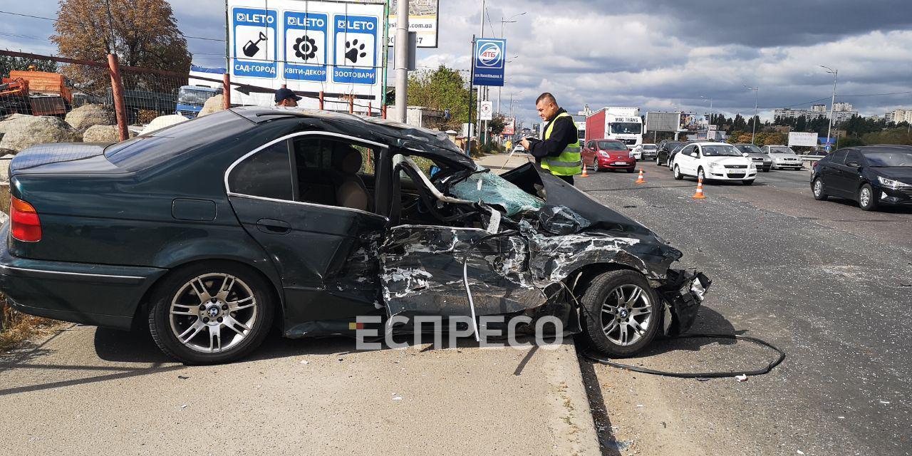 bmv Автомобіль влетів у маршрутку: ДТП поблизу Вишневого