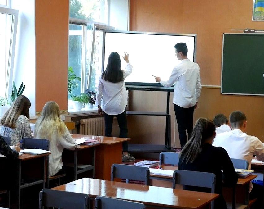 imgbig-1-5 У п'ятьох білоцерківських школах з'явились інтерактивні панелі