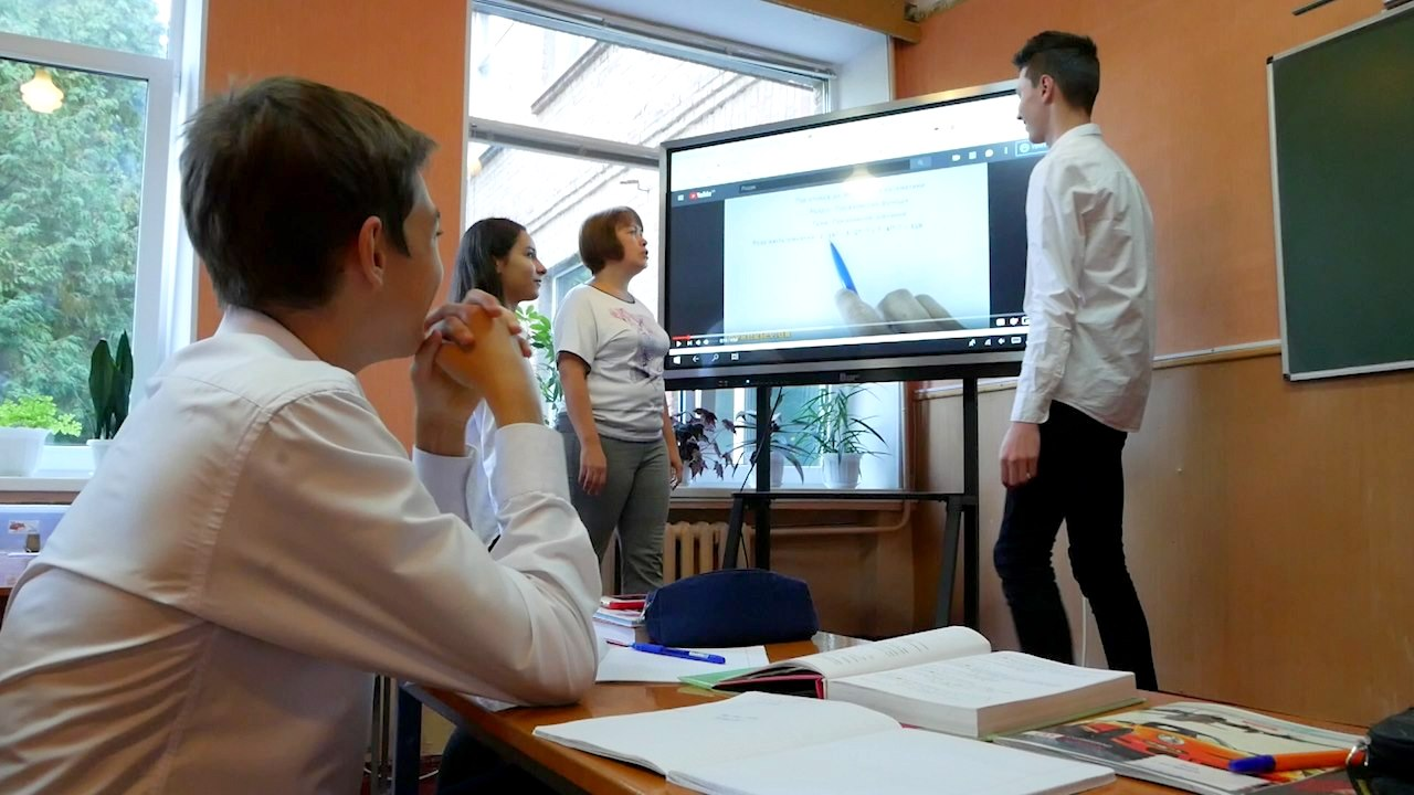 imgbig-2-3 У п'ятьох білоцерківських школах з'явились інтерактивні панелі
