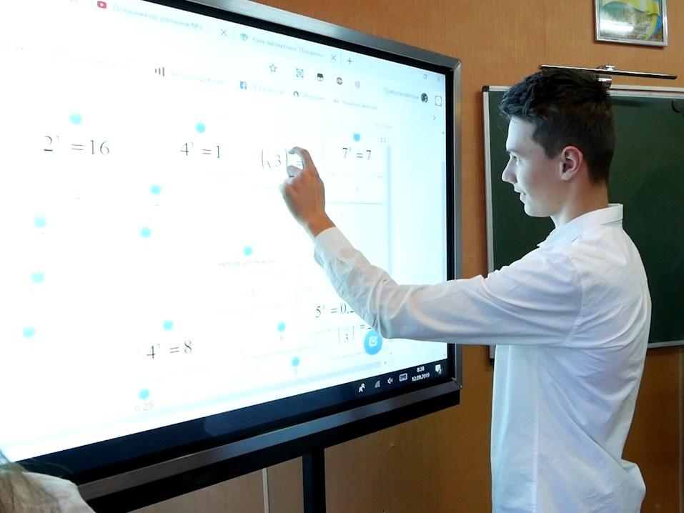 imgbig-3-3 У п'ятьох білоцерківських школах з'явились інтерактивні панелі