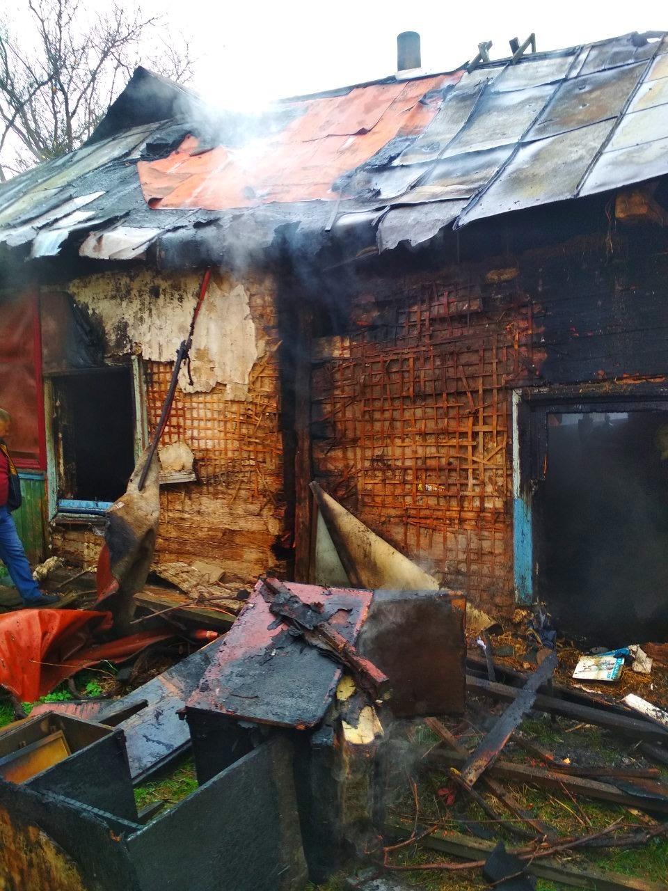 Через пожежу в житловому будинку на Київщині одна людина загинула, інша – отримала опіки - Бородянка - 01 3