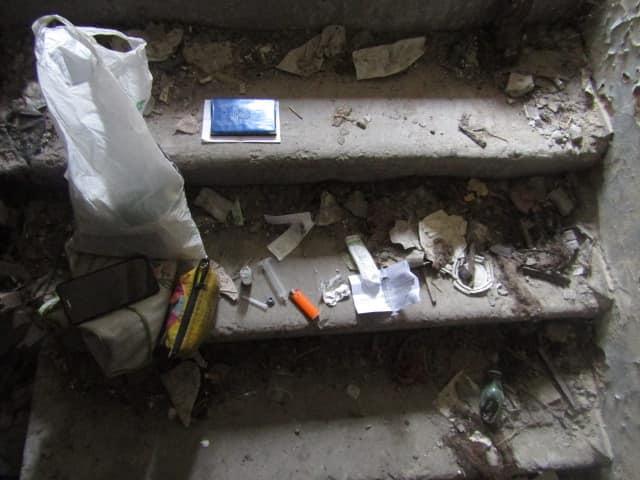 У Вишгородському недобуді знайшли наркотичну «чаклунку» - патрулювання, кримінал, київщина, затримання, Вишгородський відділ поліції, Вишгород - 1007 narkotyky1
