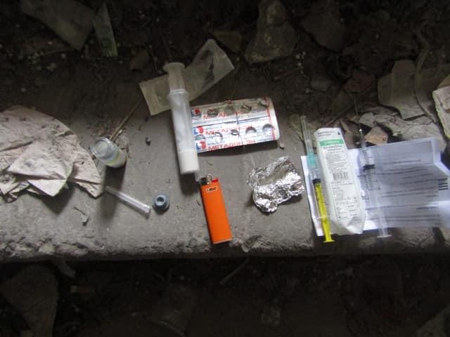 У Вишгородському недобуді знайшли наркотичну «чаклунку» - патрулювання, кримінал, київщина, затримання, Вишгородський відділ поліції, Вишгород - 1007 narkotyky2
