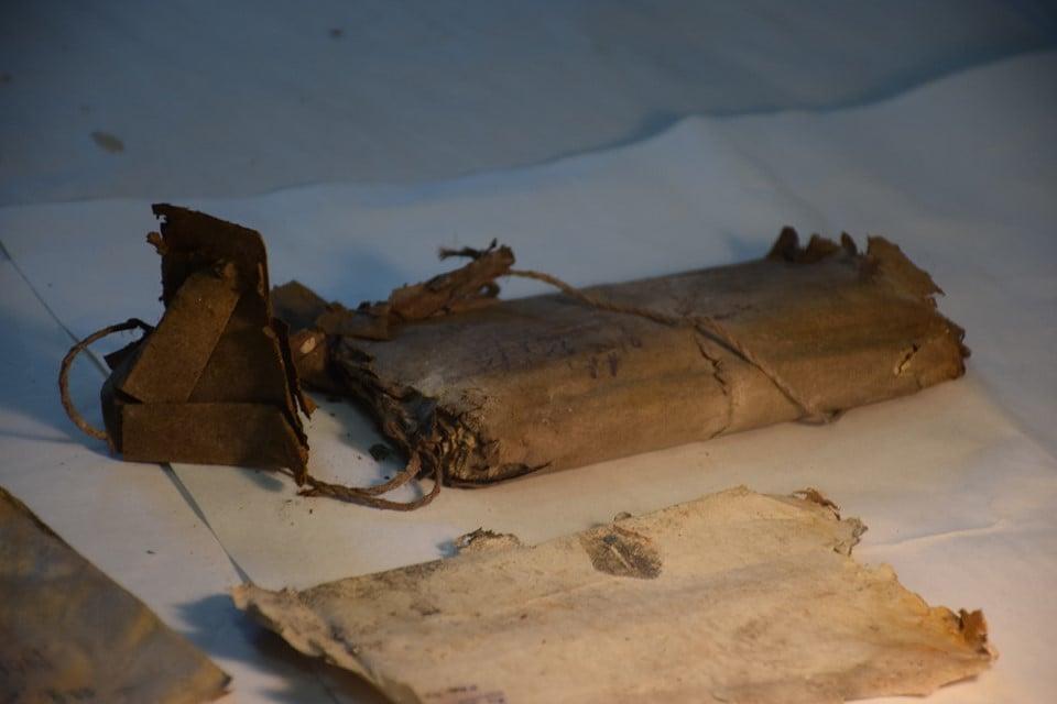 У Стратинських лісах знайдено два досі невідомі архіви УПА - документи - 1009 arhiv3