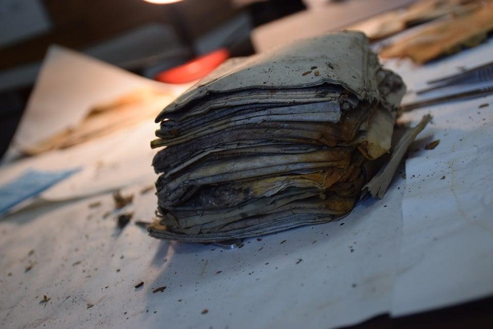 У Стратинських лісах знайдено два досі невідомі архіви УПА - документи - 1009 arhivy1