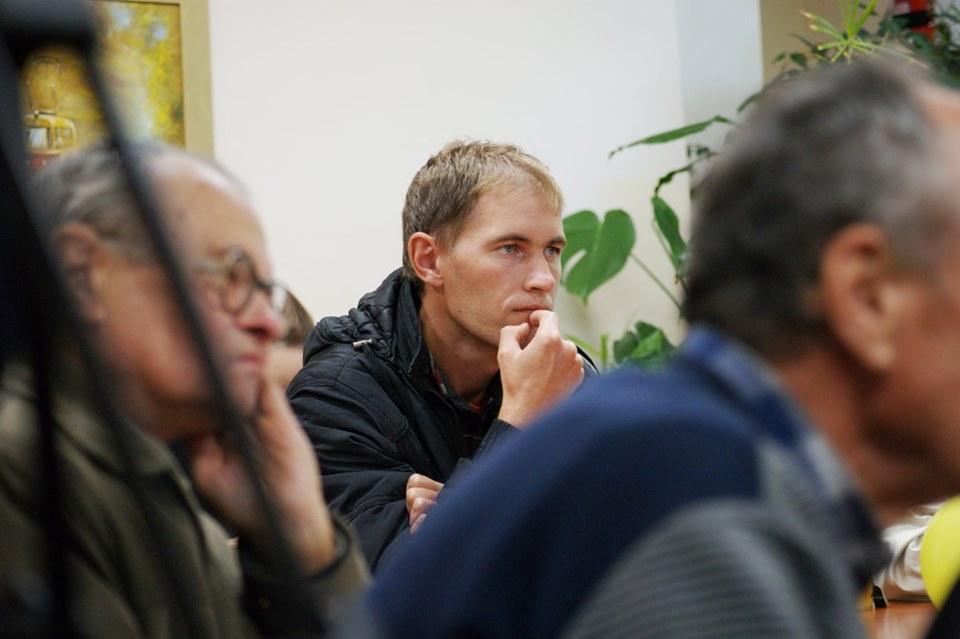 """""""Ти, б**, рота закрий"""": у Борисполі відбувся перегляд фільму про борця з корупцією -  - 1013 kino7"""