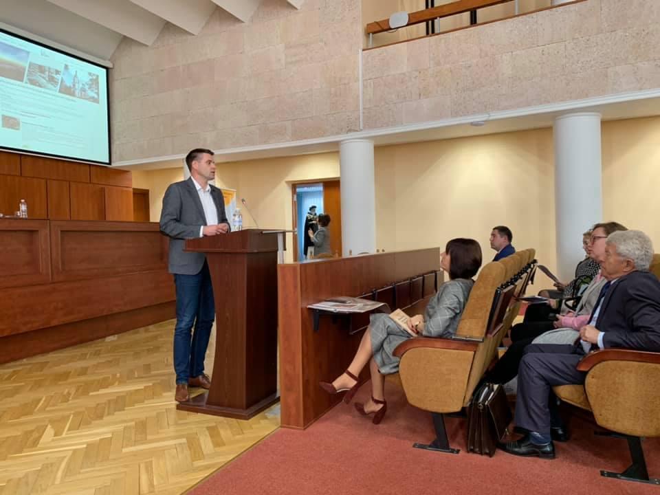 Першим містом Київщини, де історичні пам'ятки оснащені QR-кодами, став Вишгород -  - 1016 Konf2 Danchyn