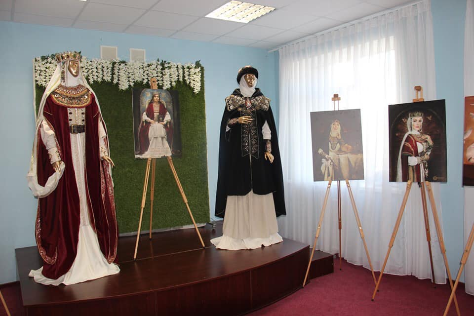 Першим містом Київщини, де історичні пам'ятки оснащені QR-кодами, став Вишгород -  - 1017 Konf odyag
