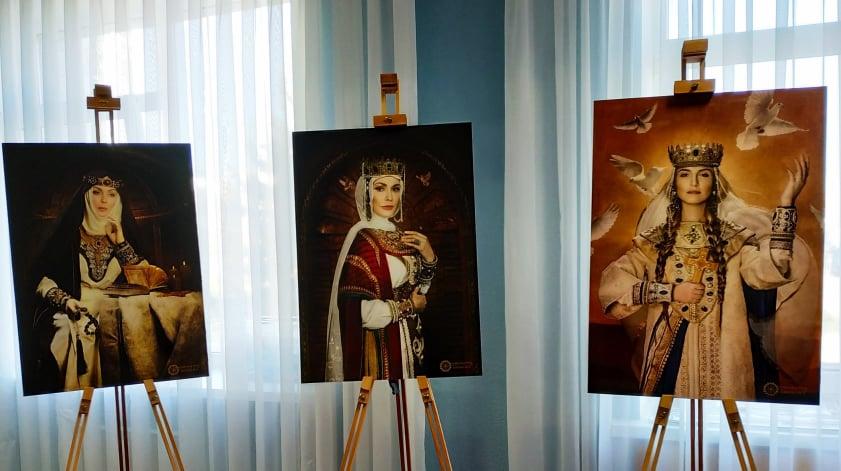 Першим містом Київщини, де історичні пам'ятки оснащені QR-кодами, став Вишгород -  - 1017 Konf portrety