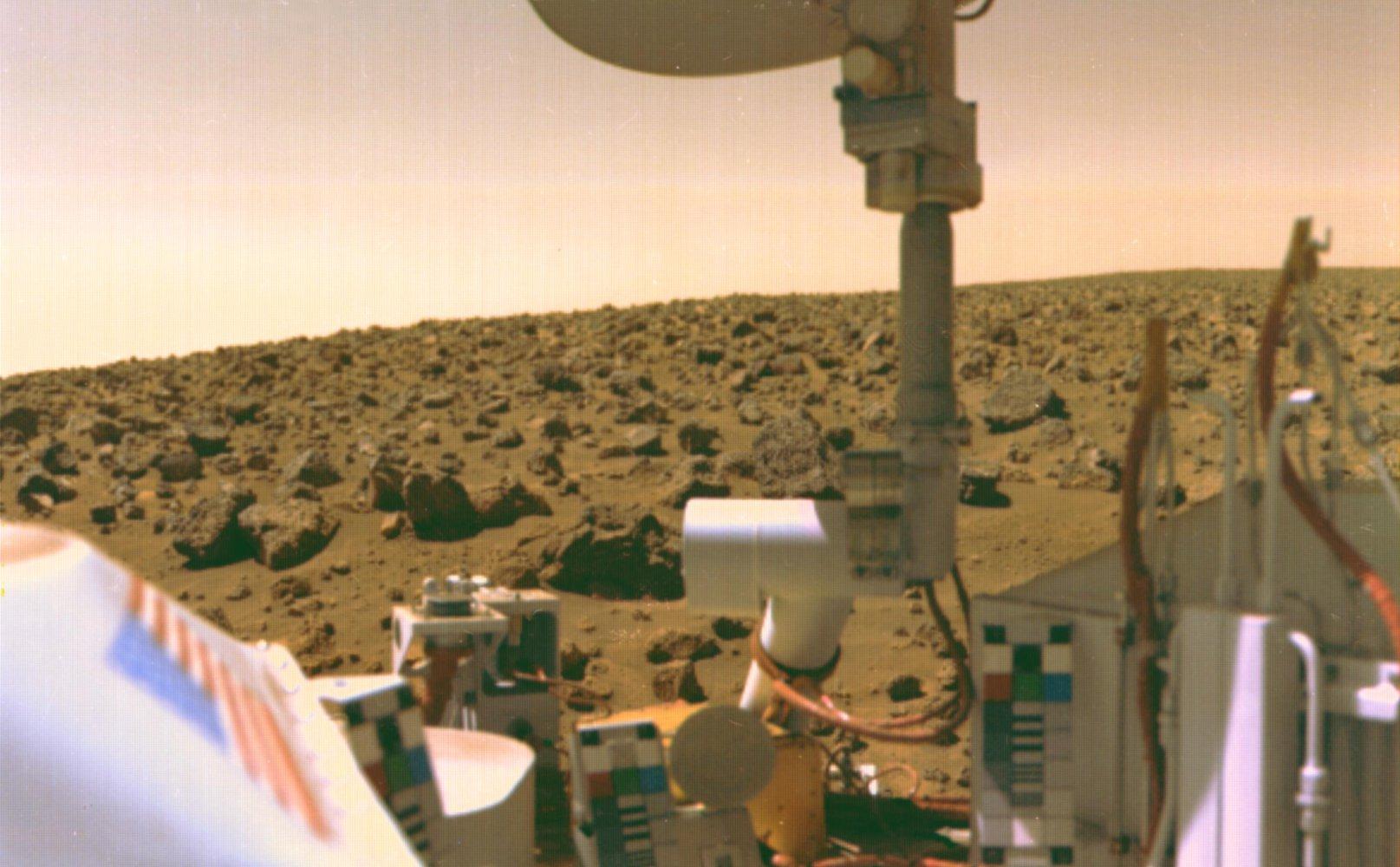 16_nasa Колишній учений NASA запевняє: життя на Марсі було знайдено ще 40 років тому