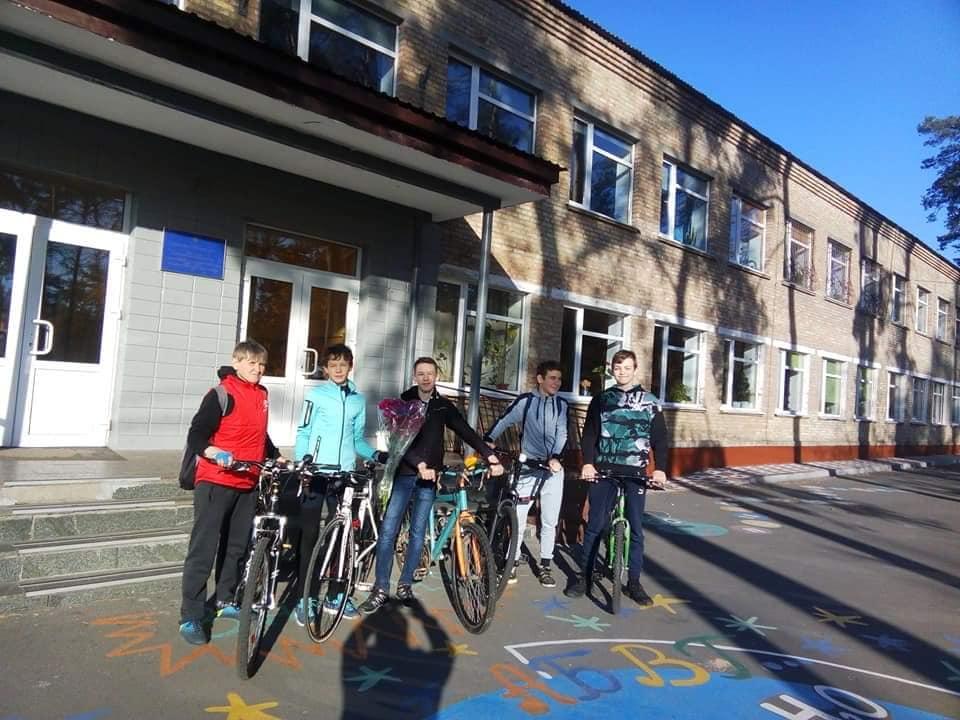 У Бучі школярі здійснили велопробіг пам'яті на честь захисників України (ФОТО) -  - 4