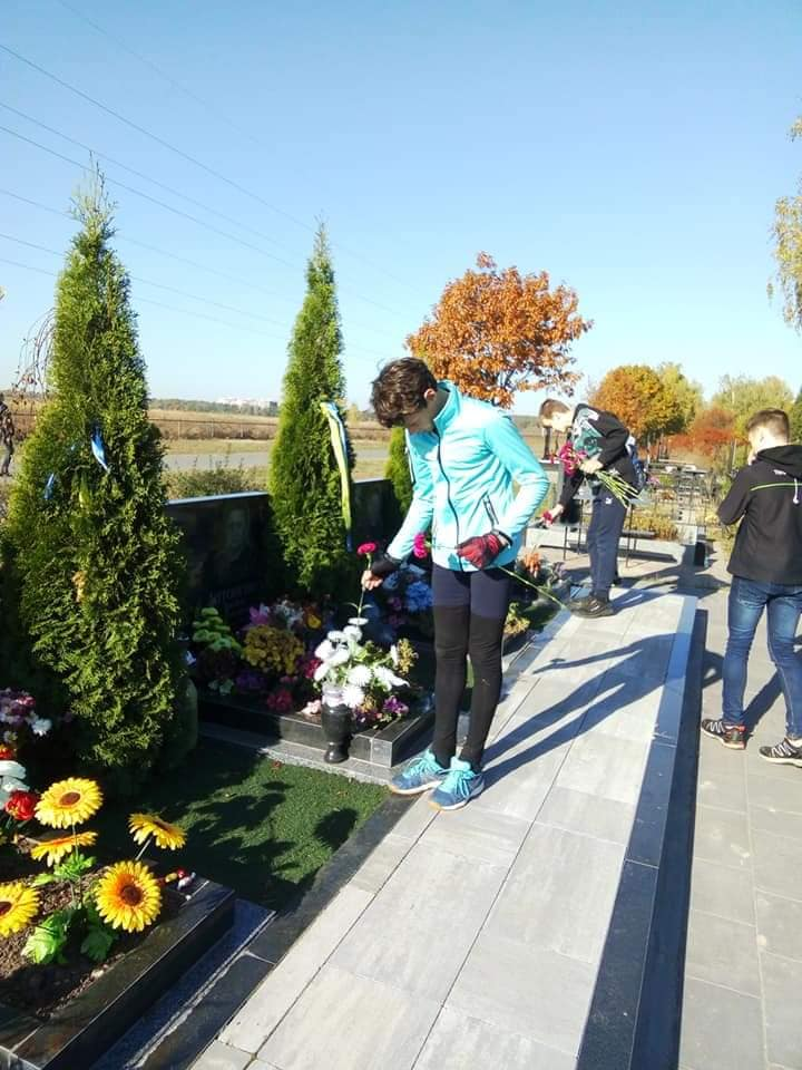 У Бучі школярі здійснили велопробіг пам'яті на честь захисників України (ФОТО) -  - 5