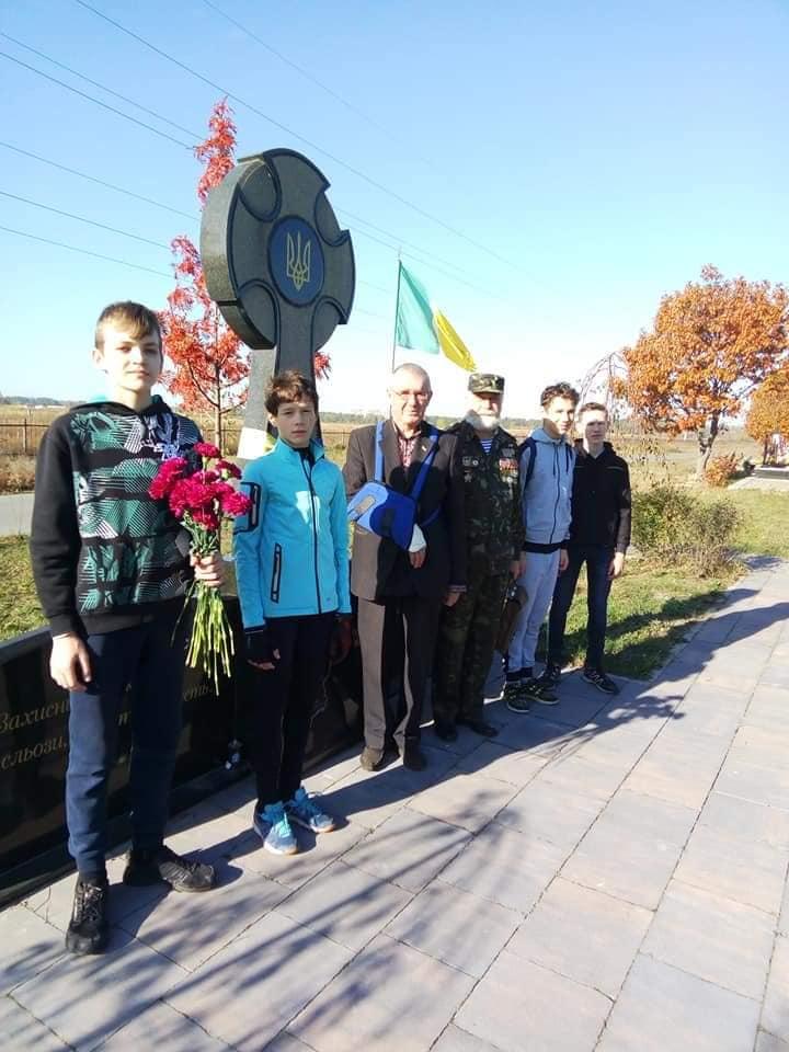 У Бучі школярі здійснили велопробіг пам'яті на честь захисників України (ФОТО) -  - 6