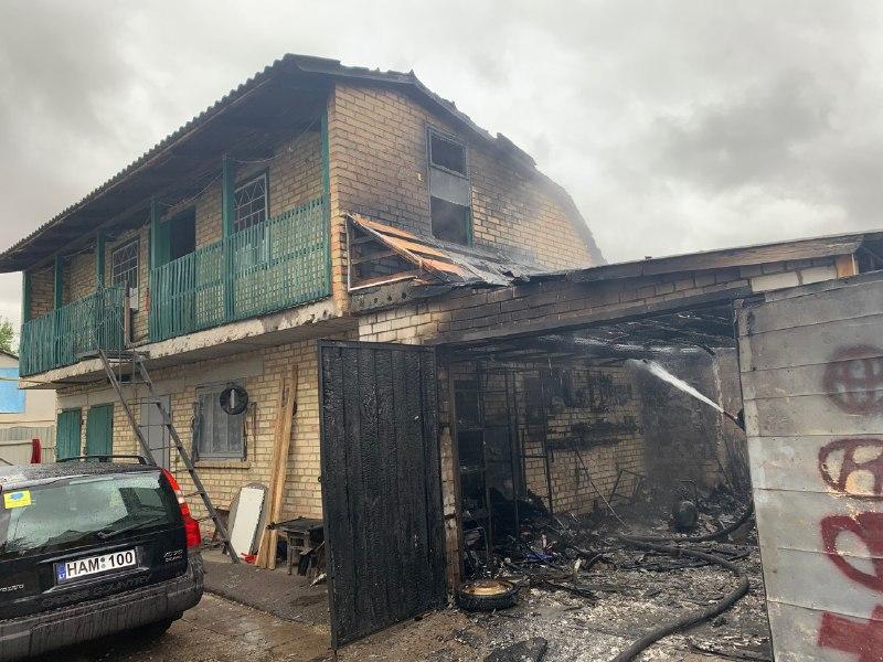 У пожежі в Переяславі ледь не згоріло два авто -  - 6dbfd932 a05a 4e37 a6ad d31f60c0370a