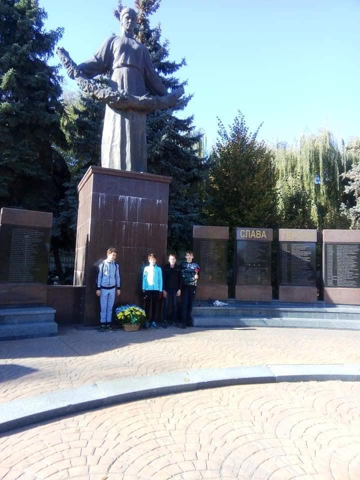 У Бучі школярі здійснили велопробіг пам'яті на честь захисників України (ФОТО) -  - 7 1