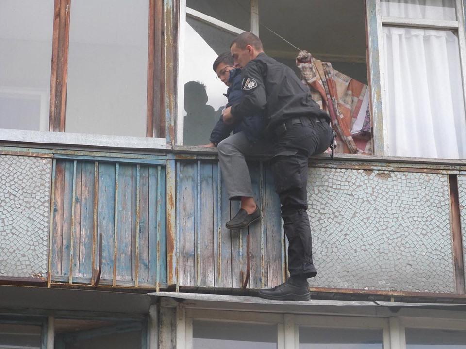 72119345_815257215537033_6033625260635455488_n Пожежа у багатоповерхівці Києва: людей масово евакуйовували із квартир