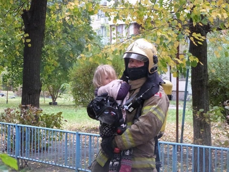 72353761_815257078870380_8088372228183293952_n Пожежа у багатоповерхівці Києва: людей масово евакуйовували із квартир