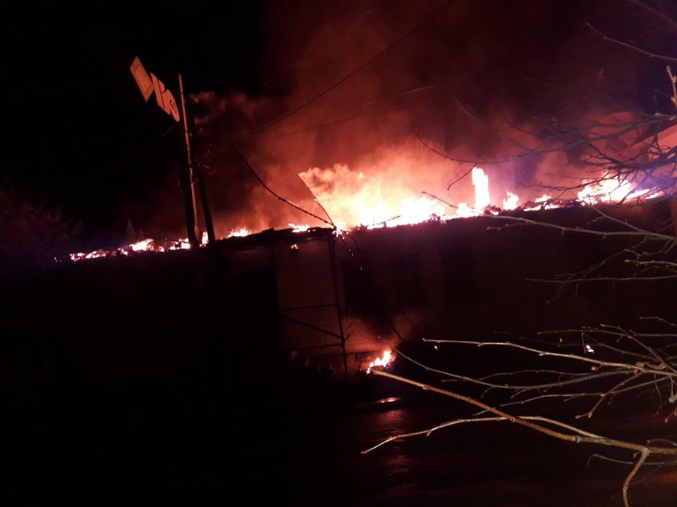 У Броварах згорів будинок і дві автівки -  - 72564576 1394882610661981 6578165429447950336 n