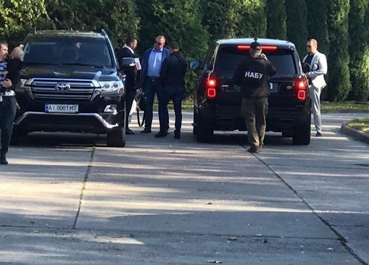 Втеча провалилась: поблизу аеропорту НАБУ затримало Олега Гладковського