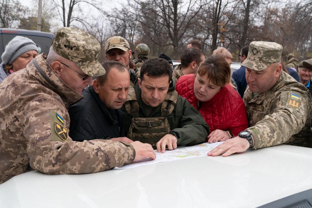 Президент України відвідав Золоте на Луганщині -  - 969ba7e11ba5207cf1cf6a3d17a3a78e 1572104984 extra large
