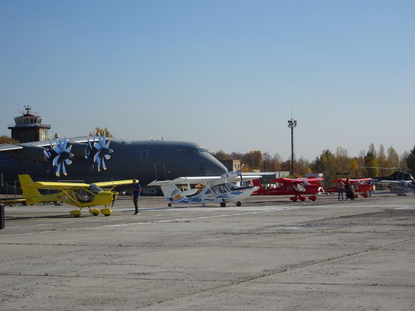 """Крилате свято: у Гостомелі відзначали 50-річний та 60-літній ювілеї літаків Ан-26 та Ан-24 - Приірпіння, літаки, київщина, ДП """"Антонов"""", Гостомель, Авіація - An mal 1"""