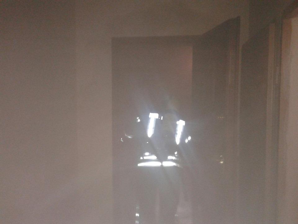 Зайнялося на балконі: у Бучі сталася пожежа у квартирі на 8-му поверсі - рятувальники, Приірпіння, пожежа, надзвичайна ситуація, київщина, ДСНС України у Київській області, Бучанська ОТГ, Буча - Bucha balkon 3