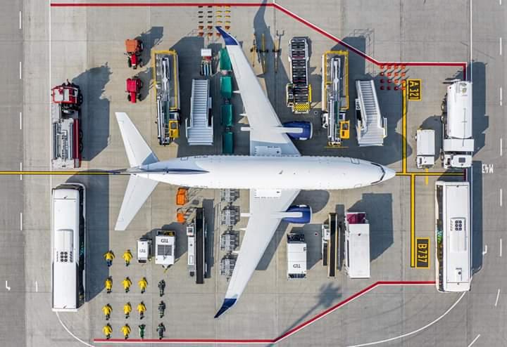"""FB_IMG_1570288483782 """"Тільки погляньте на цю красу"""": аеропорт """"Київ"""" приєднався до світового флешмобу"""