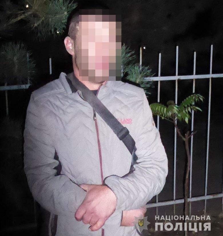 У Києві затримали немісцевих жителів, підозрюваних у пограбуванні -  - P1130641 1