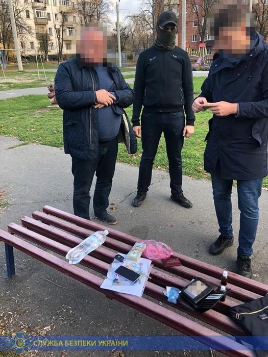 У хабарника вдома знайшли півмільйона доларів - хабар, Україна, СБУ, затримання - SBU osn1