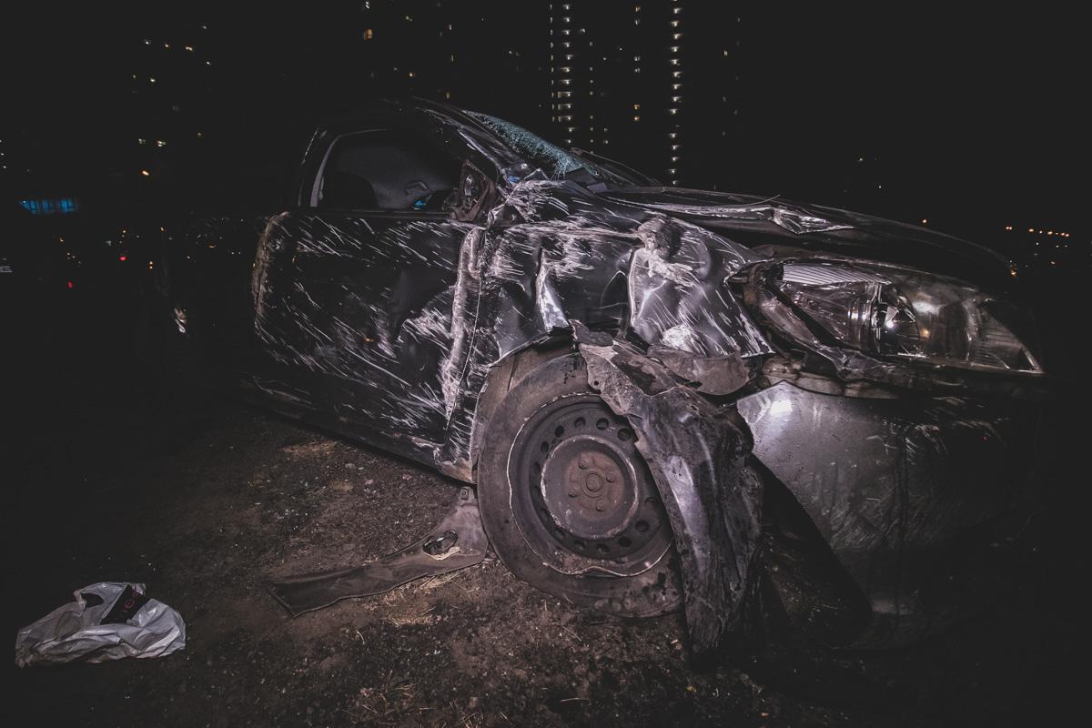 П'яний водій легковика розгромив  паркан стоянки і перекинувся -  - dtp pozniaky 3