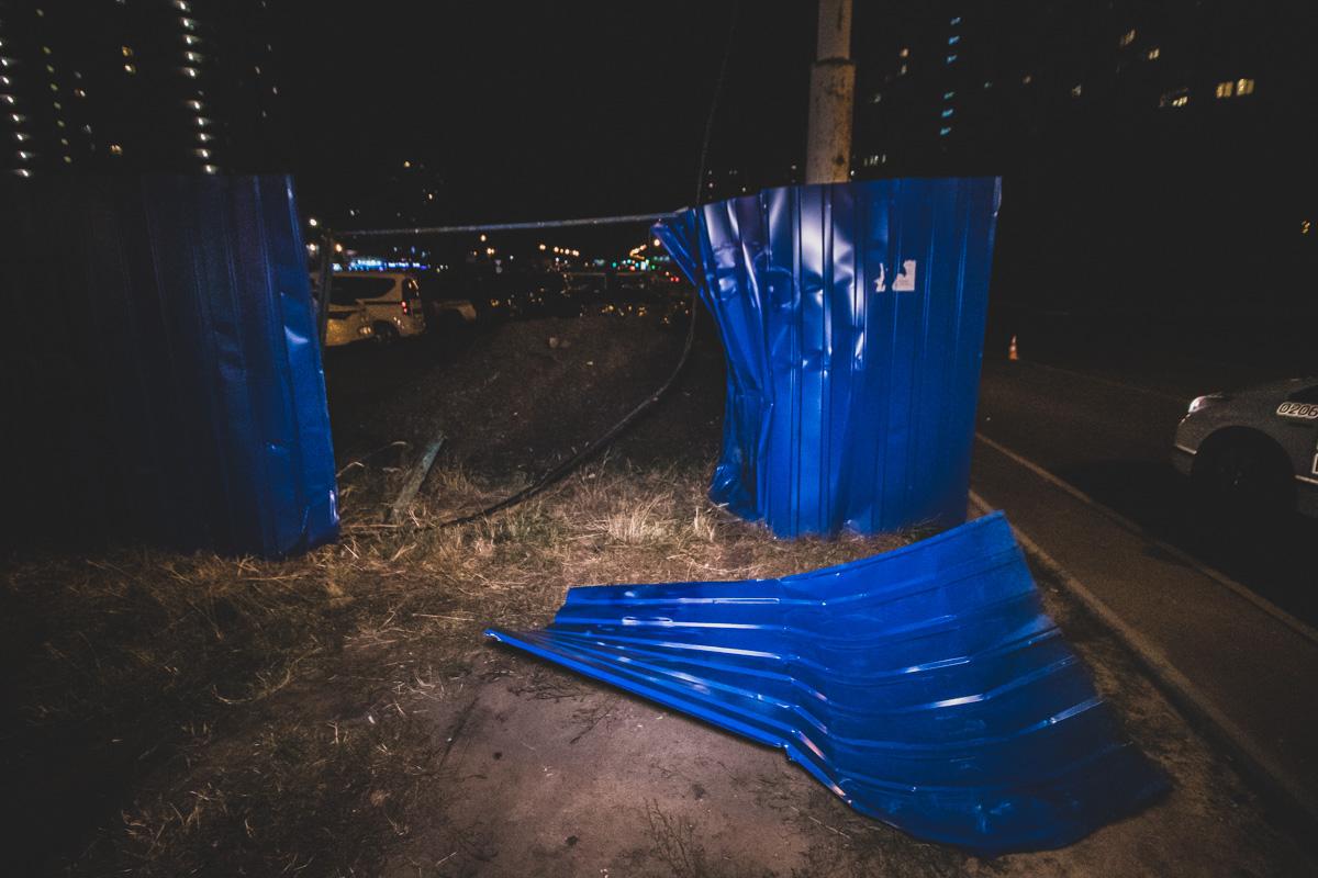 П'яний водій легковика розгромив  паркан стоянки і перекинувся -  - dtp pozniaky 9
