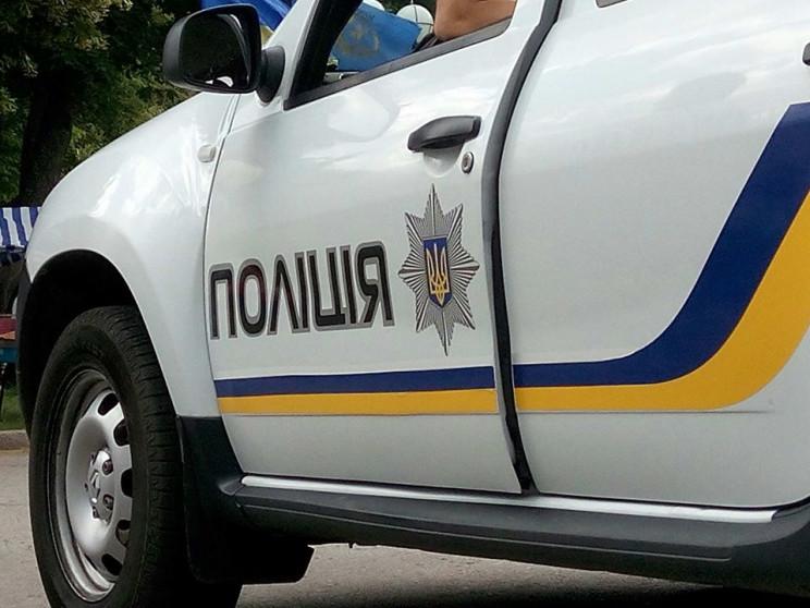 У Києво-Святошинському районі затримали поліцейського, який організував групу грабіжників: відео - Нацполіція, крадіжка майна, зловживання службовим становищем, затримано грабіжника - e68eb57552340c80830fef0d3ec0f9dc wide big