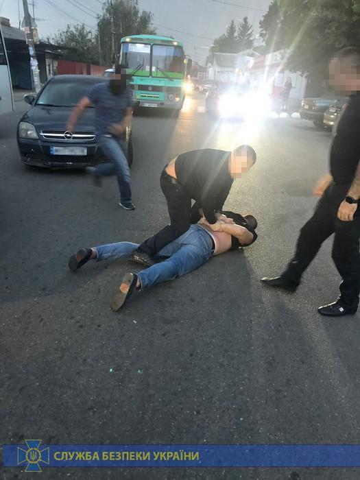 У Фастові спіймали поліцейського на хабарі -  - habar 1