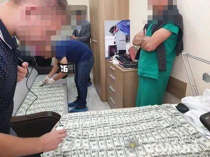 Лікаря-трансплантолога, якого затримали під час отримання хабаря залишили на посаді -  - i 4